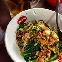Photo taken at Bakmi Ayam Bangka Yungli 48 by Kuliner M. on 12/31/2013