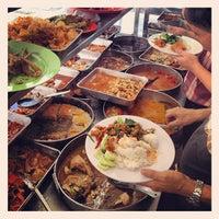 Photo taken at Semarang Food Center (Medan Chinatown) by Kuliner M. on 11/13/2012