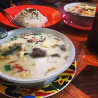 Photo taken at Soto Kaki Sapi Betawi 'Pak Jamsari' by Kuliner M. on 12/30/2013
