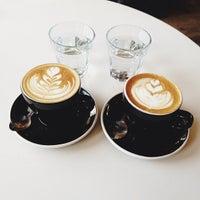 Foto scattata a Toby's Estate Coffee da Anne W. il 4/16/2013