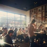 Foto scattata a Toby's Estate Coffee da Anne W. il 11/11/2012