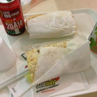 Photo taken at Subway by Guilherme d. on 9/8/2013