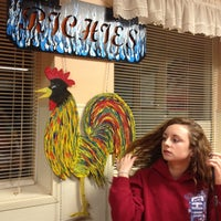 Photo taken at Richie's Chicken & Hamburgers by Joe F. on 11/16/2013