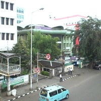 Photo taken at Masjid Al Furqan (Pusat Dewan Dakwah Indonesia) by Vabrieck B. on 4/22/2014