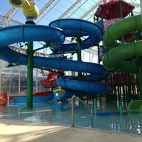 Photo taken at Wet'n Wild by Luciana H. on 12/24/2012