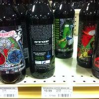 Снимок сделан в Binny's Beverage Depot пользователем Jeremiah T. 2/8/2013