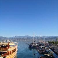 9/6/2013 tarihinde Ebru E.ziyaretçi tarafından Carnival Restaurant'de çekilen fotoğraf
