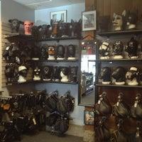 1/12/2013 tarihinde Billy K.ziyaretçi tarafından Mr. S Leather & Mr. S Locker Room'de çekilen fotoğraf