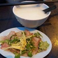 Снимок сделан в Lou Yau Kee Porridge (老友记粥) пользователем Kee W. 7/29/2013