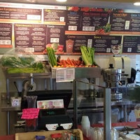 Photo taken at Robeks Fresh Juices & Smoothies by Rich L. on 10/3/2013