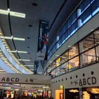 9/5/2013 tarihinde Саша П.ziyaretçi tarafından Viyana Uluslararası Havalimanı (VIE)'de çekilen fotoğraf