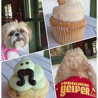 Photo taken at Elizabethan Desserts by Jen Y. on 8/10/2013