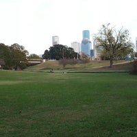 12/8/2012 tarihinde Glenn L.ziyaretçi tarafından Buffalo Bayou Park'de çekilen fotoğraf