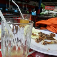 Photo taken at Ayam Lepaas by Misbahuddin Z. on 4/15/2013