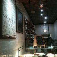 Foto scattata a Pete's Pizzeria & Bakehouse da Brian C. il 2/27/2013