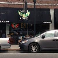 5/4/2013 tarihinde Brian C.ziyaretçi tarafından Kopi Café'de çekilen fotoğraf