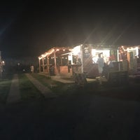 Foto tomada en El Predio - Food Truck Park por Fidel E. el 4/16/2017