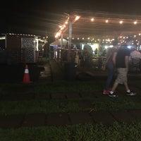 Foto tomada en El Predio - Food Truck Park por Fidel E. el 9/23/2017