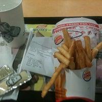 Foto tomada en Burger King por Yael R. el 6/4/2013