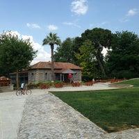 Foto scattata a Cafe Carpouza da Gulumnaz O. il 6/14/2013