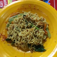 Photo taken at Indomie Abang Adek by Simon L. on 6/10/2017