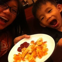 Photo taken at Pizza Hut by 1von_teoj on 7/5/2013