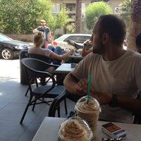 7/26/2015 tarihinde Cem K.ziyaretçi tarafından Starbucks'de çekilen fotoğraf