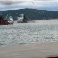 Das Foto wurde bei Kefeliköy Sahili von İrem Hırçın am 11/9/2012 aufgenommen