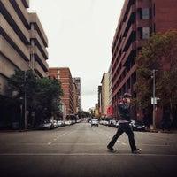 Снимок сделан в Braamfontein пользователем Roy P. 4/21/2013