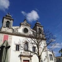 Foto tirada no(a) Vila de Oeiras por Ricardo R. em 3/3/2013