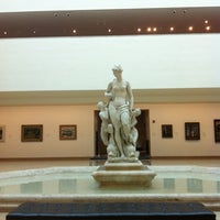 Photo taken at Wadsworth Atheneum by Kate W. on 9/1/2013