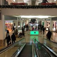 2/25/2013 tarihinde Keremziyaretçi tarafından Carrefour İçerenköy AVM'de çekilen fotoğraf