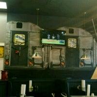 Das Foto wurde bei Bay34th St Pizzeria von John S. am 3/22/2017 aufgenommen