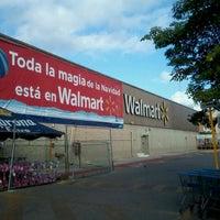 Foto tomada en Walmart por Денис Е. el 12/30/2012
