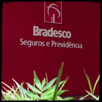 Photo taken at Bradesco Auto/RE Cia de Seguros - Suc. Curitiba by Marcio W. on 12/6/2012