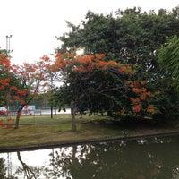 Das Foto wurde bei Suanluang Rama IX von Vladimir R. am 5/19/2013 aufgenommen