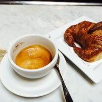 Foto tirada no(a) Gran Caffe L'Aquila por Dana C. em 2/27/2015