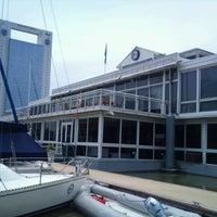 Foto tomada en Yacht Club Puerto Madero por Carlos R. el 12/18/2012