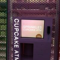 Photo taken at Sprinkles Cupcakes by Urvi B. on 2/6/2013