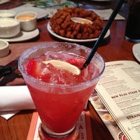 Photo taken at Outback Steakhouse by Rê M. on 4/21/2013