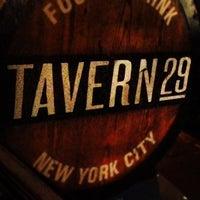 Das Foto wurde bei Tavern29 von Sammy G. am 12/2/2012 aufgenommen