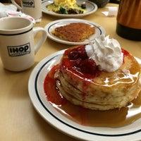 Снимок сделан в IHOP пользователем Ricardo M. 12/1/2013
