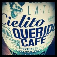 Foto tomada en Cielito Querido Café por Berenice C. el 1/9/2013