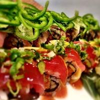 รูปภาพถ่ายที่ Pinto Thai Bistro & Sushi Bar โดย debra11 เมื่อ 9/25/2012