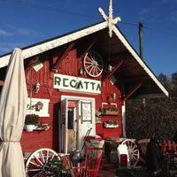 10/27/2012 tarihinde Jani V.ziyaretçi tarafından Cafe Regatta'de çekilen fotoğraf