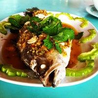 Photo prise au Pae Krung Kao par Toby C. le12/24/2012
