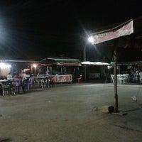 Photo taken at Pasar Malam Serian by Achik F. on 1/22/2013