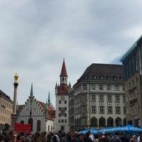Das Foto wurde bei Marienplatz von Rita P. am 10/3/2015 aufgenommen