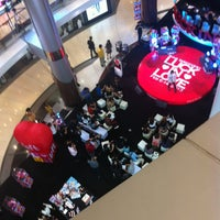 Photo taken at Siam Discovery by Naruedon P. on 2/7/2013