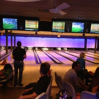 Photo taken at Buitensociëteit & Bowling De Worp Deventer by Henry B. on 9/29/2013